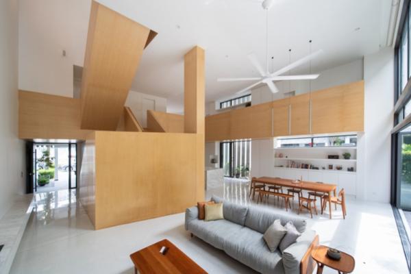 """""""A high hall house with a mezzanine floor"""""""